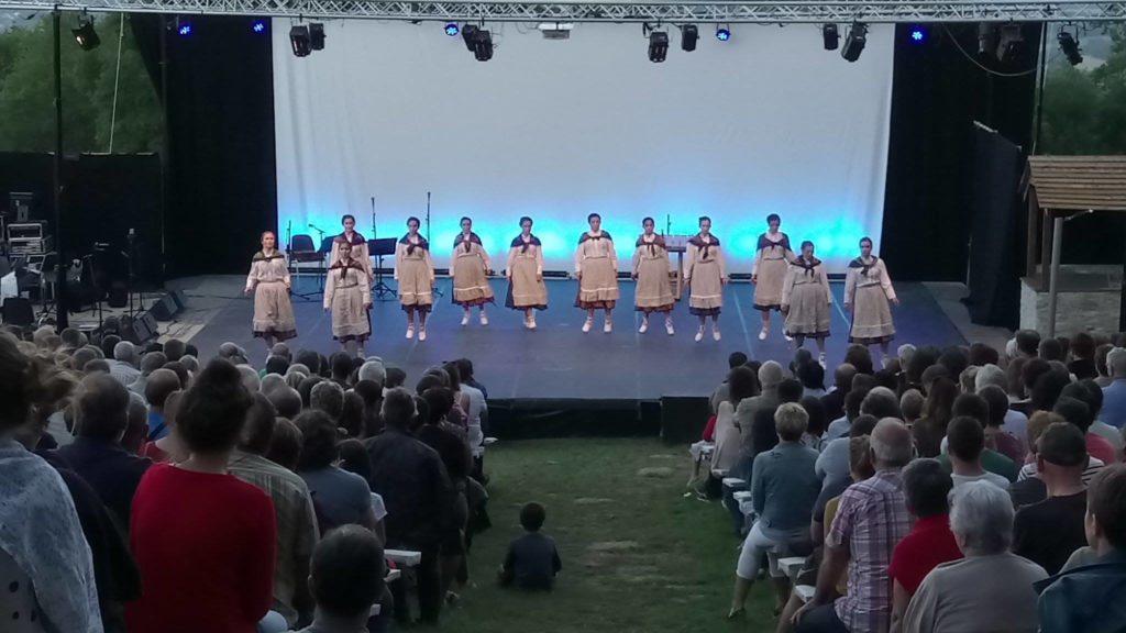 eclairage LED scène danse basque