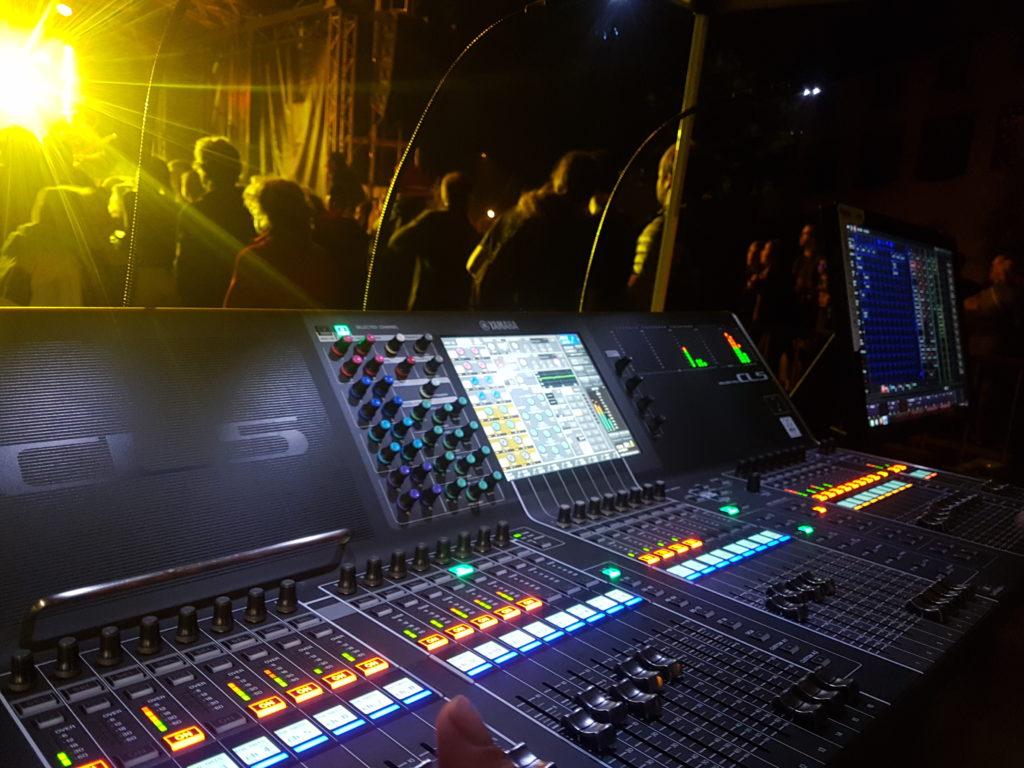 Yamaha CL5, dante, RJ45, Martin MPC Elation concert spectacle conférence